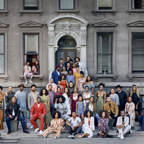 Intitulada por Strong Black Lead, a campanha é um remake da famosa foto em preto e branco do A Great Day in Harlem.